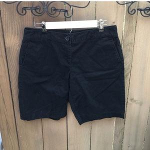 Ann Taylor Loft black shorts size 8